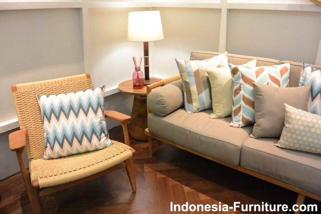 Beautiful Sofa Models With Custom Design For Luxury Place
